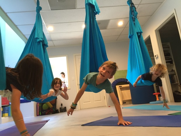 aerial-yoga-group